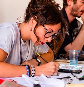 Scholarships for the Masters in Design, Communication and Fashion 2018